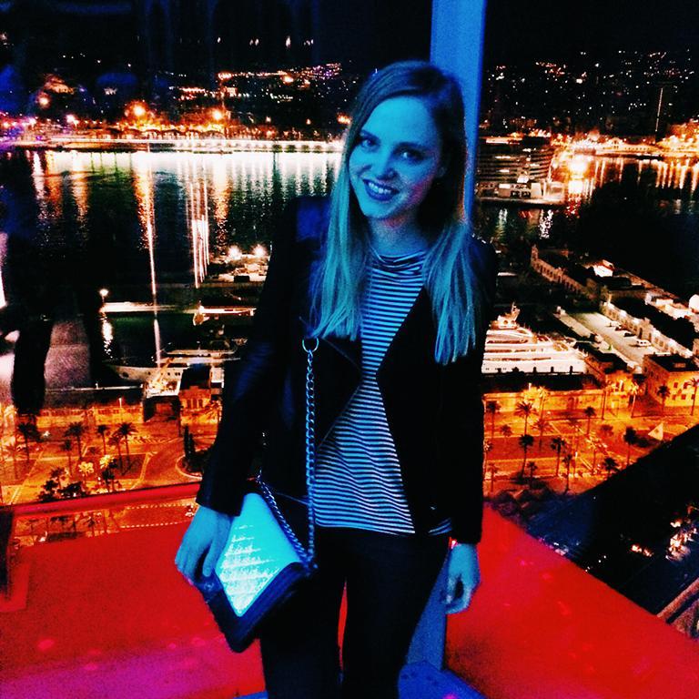 Alina Spiegel in the W-Hotel bar